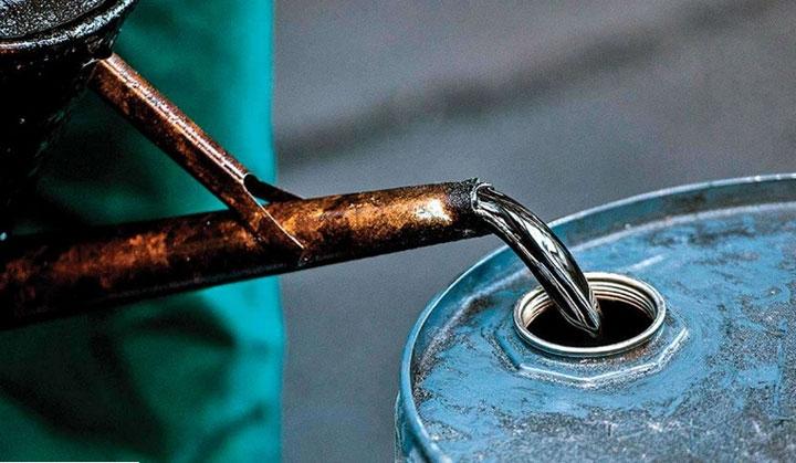 Giá dầu thô tăng nhờ tồn kho giảm 5.8 triệu thùng trong tuần trước