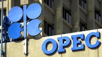 OPEC+ nhất trí về việc tăng dần sản lượng trong 3 tháng tới