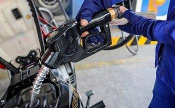 Giá xăng bật tăng mạnh, giá khí tự nhiên không thay đổi trong phiên giao dịch 4/5