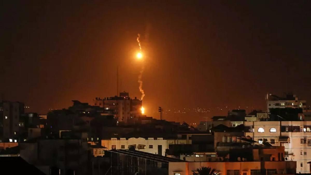 Một tên lửa được phóng từ Dải Gaza - Israel