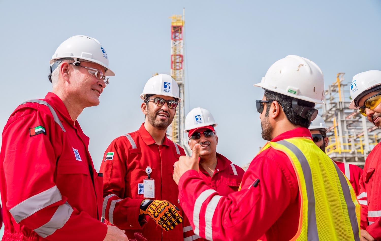 Vì sao hiện trạng của Exxon Mobil và Chevron lại đối lập?