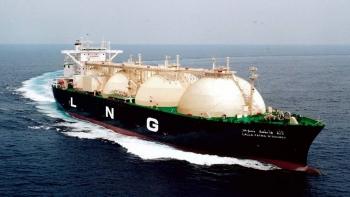 LNG rối bời giữa nhu cầu và nguồn cung