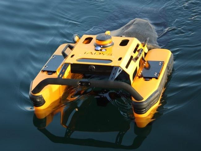Jellyfishbot - Robot nhặt rác ở cảng biển