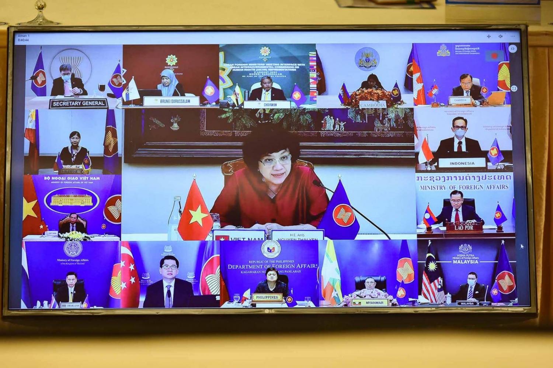 Phiên đối thoại giữa các Bộ trưởng Ngoại giao ASEAN và các đại diện Ủy ban liên Chính phủ ASEAN về nhân quyền