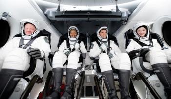 SpaceX đưa phi hành đoàn dân sự đầu tiên lên quỹ đạo