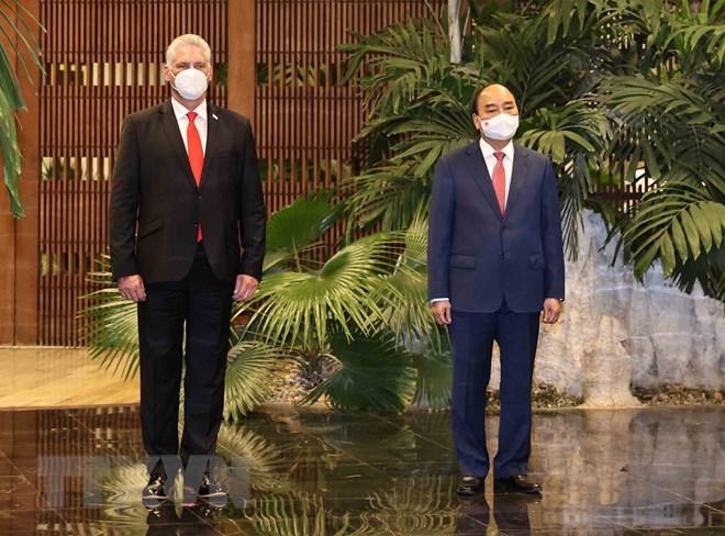 Chủ tịch nước Nguyễn Xuân Phúc hội đàm với Bí thư thứ nhất, Chủ tịch nước Cuba