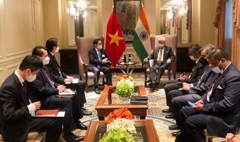 Bộ trưởng Ngoại giao Bùi Thanh Sơn gặp gỡ lãnh đạo Bộ Ngoại giao các nước