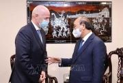 Chủ tịch nước Nguyễn Xuân Phúc tiếp Chủ tịch Liên đoàn Bóng đá Thế giới (FIFA)
