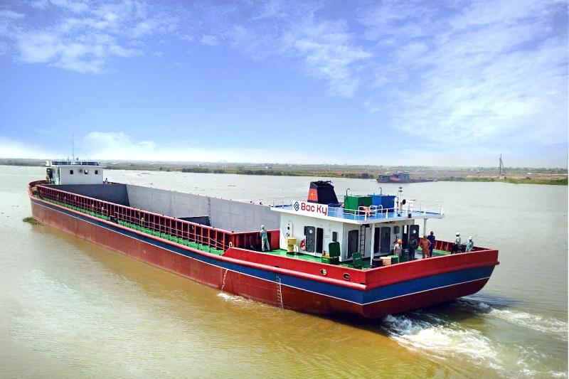 Giảm hơn 10 lần phí vận tải thủy tuyến Việt Nam - Campuchia