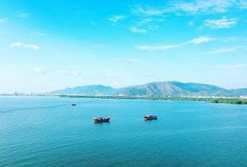 Ai phát hiện điểm lộ dầu vùng đầm Thị Nại, Quy Nhơn?