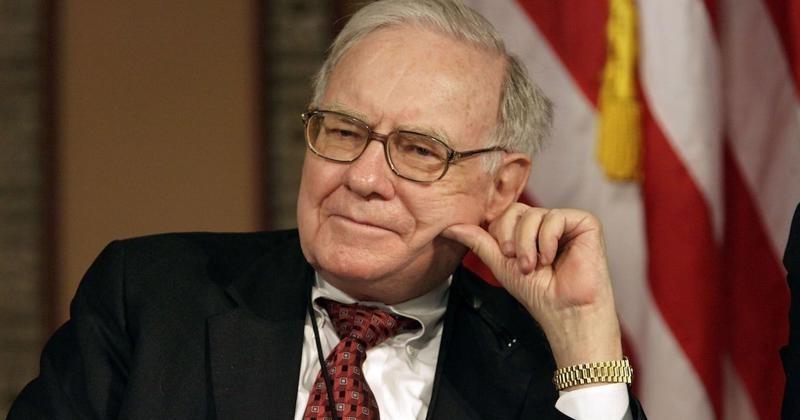 Warren Buffett: Làm việc bạt mạng không giúp bạn giàu có