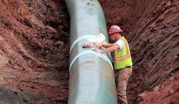 Sau khi hủy Keystone XL, TT Joe Biden bị áp lực để dừng nhiều dự án đường ống đang bị tranh chấp khác