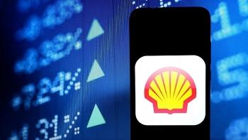 Lợi nhuận của Shell giảm xuống mức thấp nhất 20 năm, nhưng cổ tức tăng