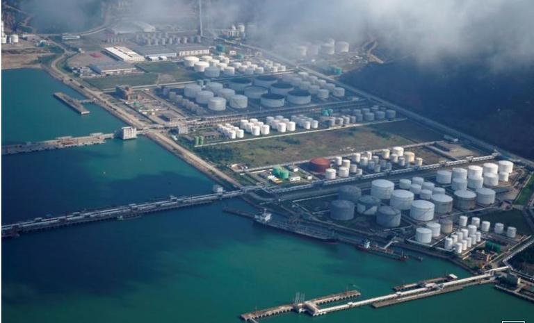 Trung Quốc tăng cường nhập khẩu dầu và khí tự nhiên trong hai tháng đầu năm