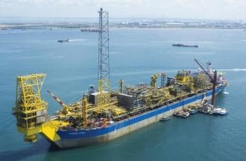 Eni phát hiện giếng dầu mới ngoài khơi Angola lên đến 250 triệu thùng