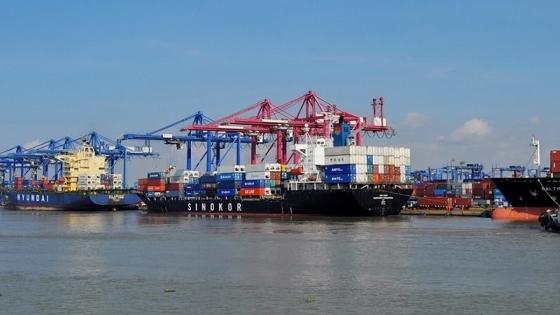 10 tháng năm 2020 Việt Nam nhập khẩu gần 7 triệu tấn xăng dầu
